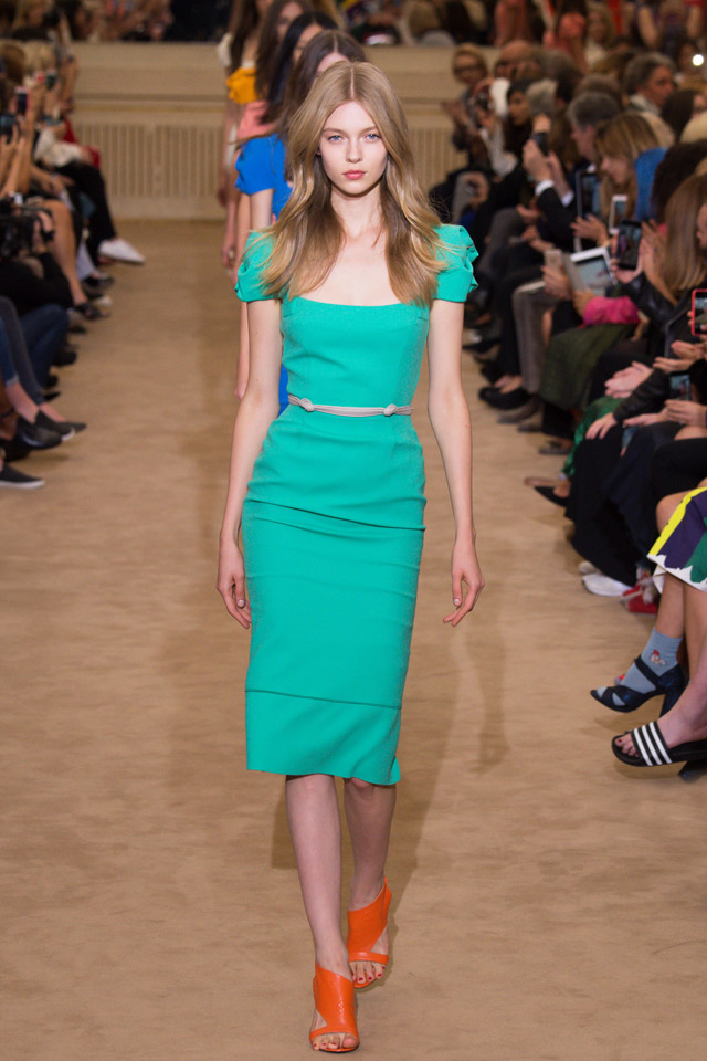 Roland Mouret goes back to the 70s