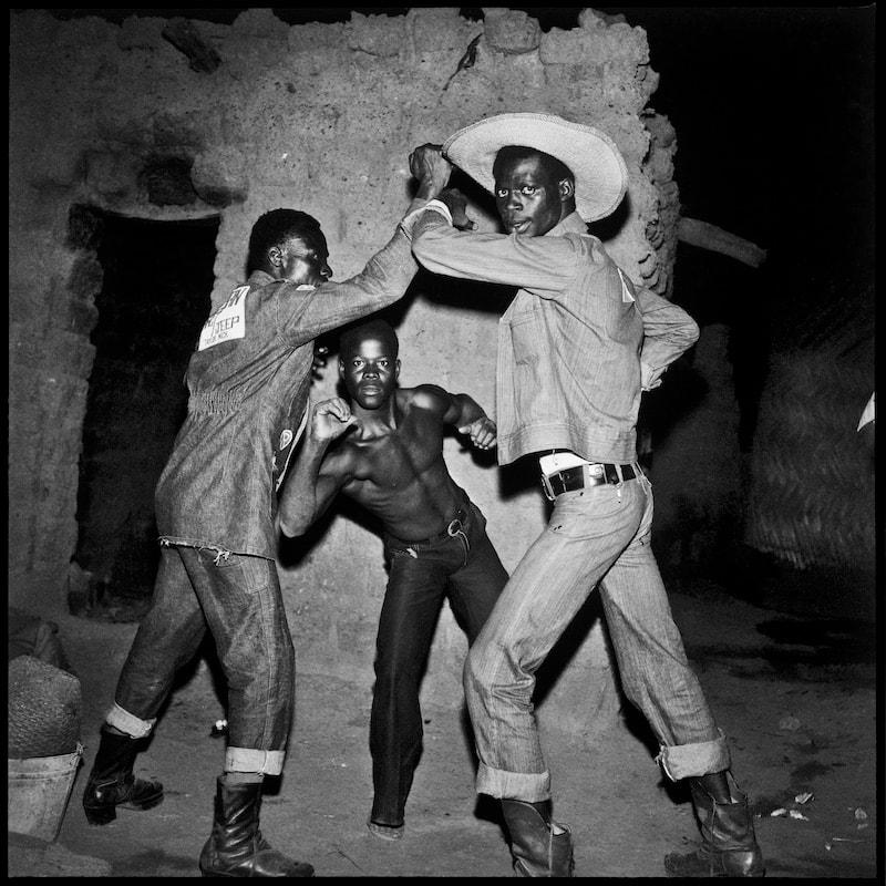 Peuple de la nuit is a photographic study of Sanle's night-time acquaintances